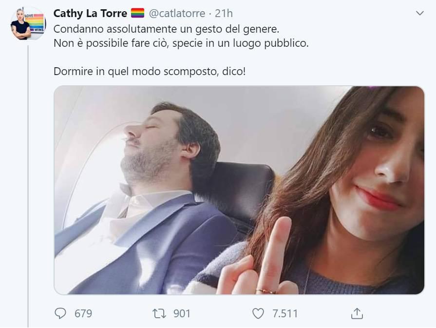 Selvaggia Lucarelli difende Salvini contro leader LGBT Cathy La Torre