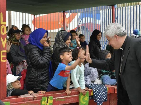 elemosiniere papa profughi fiumicino
