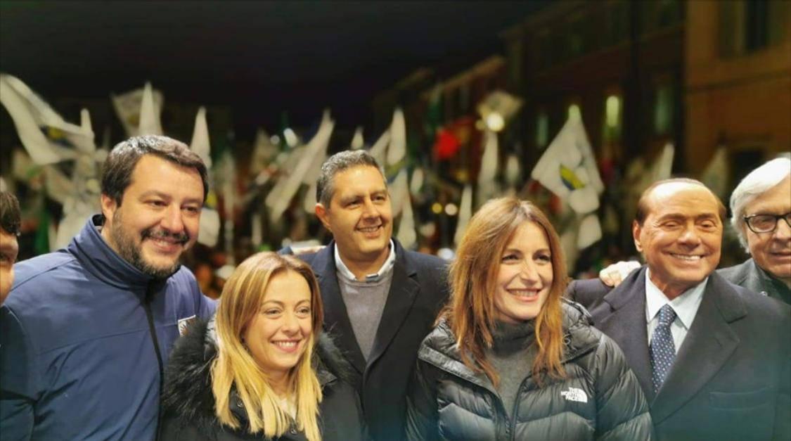"""Chiusura campagna elettorale in Emilia-Romagna, Meloni: """"Lunedì citofoneremo a Conte"""" - Leggilo.org"""