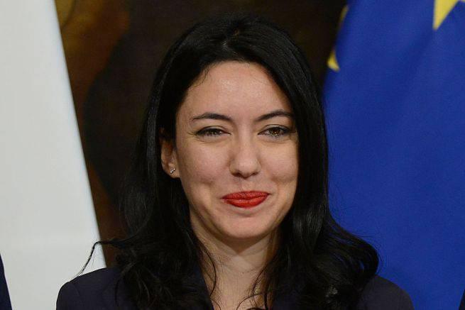 """Salvini: """"Azzolina si dimetta"""", lei replica: """"Non distingue una tesi da un tirocinio"""" - Leggilo.org"""