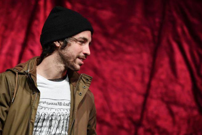 """Santori attacca il M5S: """"In piazza contro i vitalizi? Viene quasi da ridere"""" - Leggilo.org"""