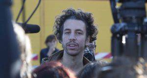Sardine: incontro con Benetton e Toscani. La rete protesta, Meloni all'attacco - Leggilo.org