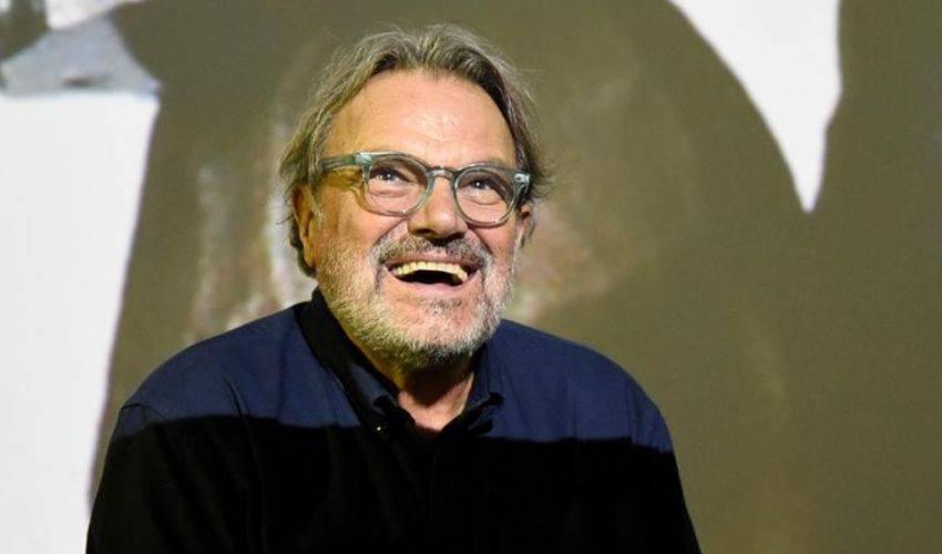 """Toscani difende le Sardine: """"La foto con Benetton? Polemica ad arte"""" - Leggilo.org"""
