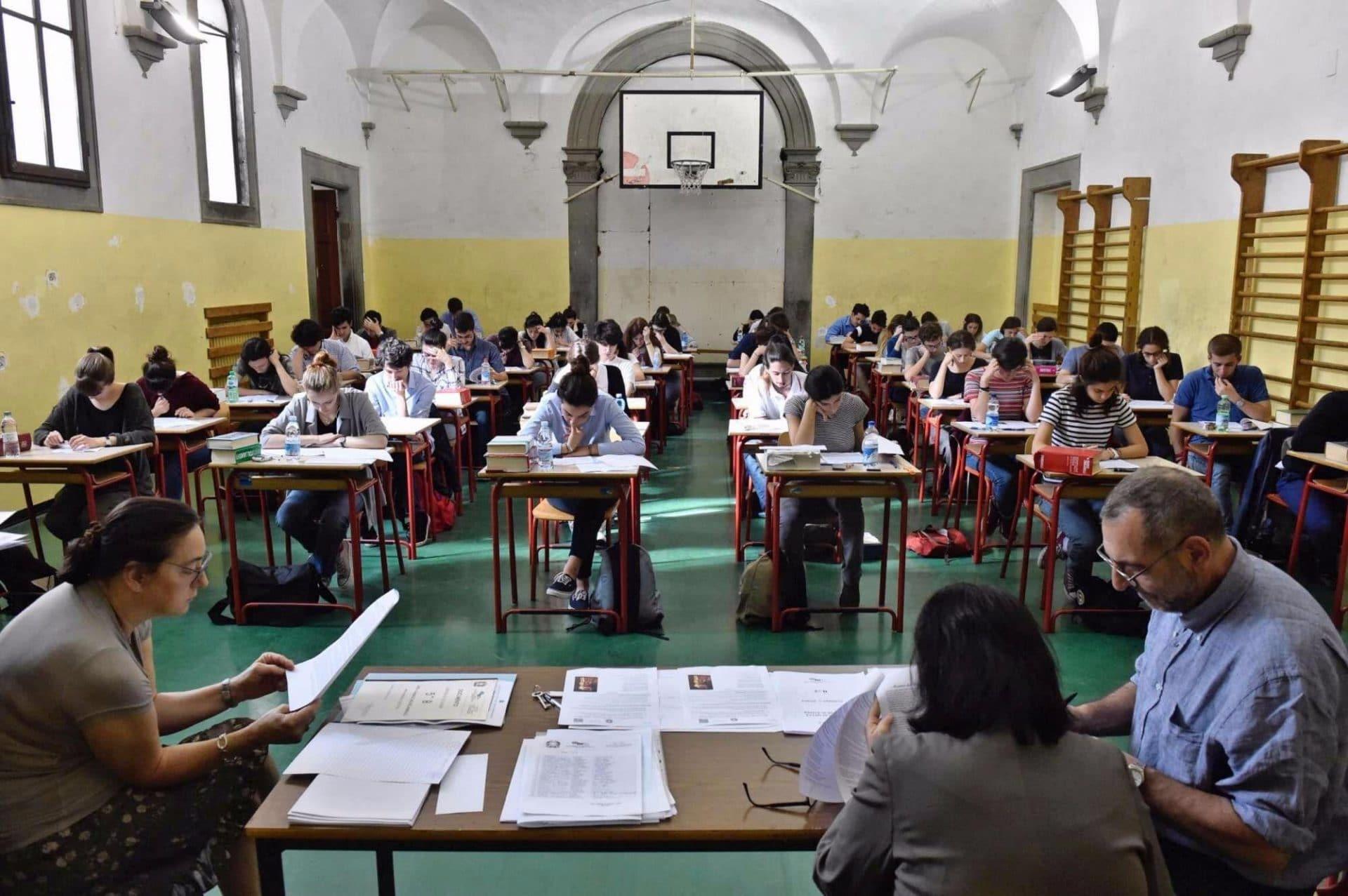 Coronavirus, il Ministro Azzolina pensa ad un cambio per gli esami di maturità - Leggilo.org