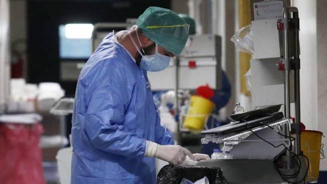 coronavirus contagi operatori sanitari