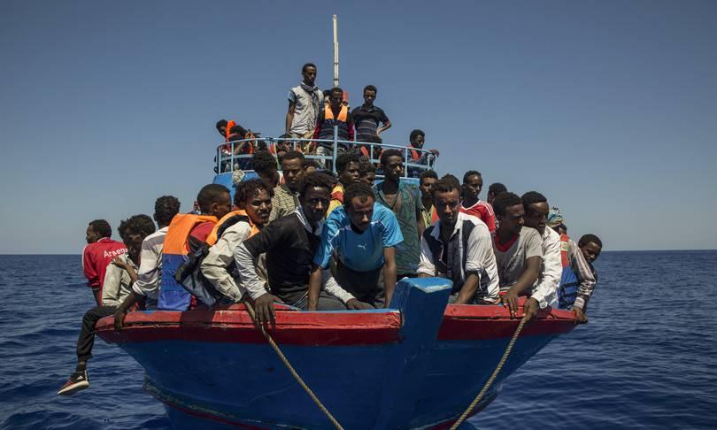 """Migrani, Borrelli: """"Strutture a terra o navi per isolamento"""" - Leggilo.org"""