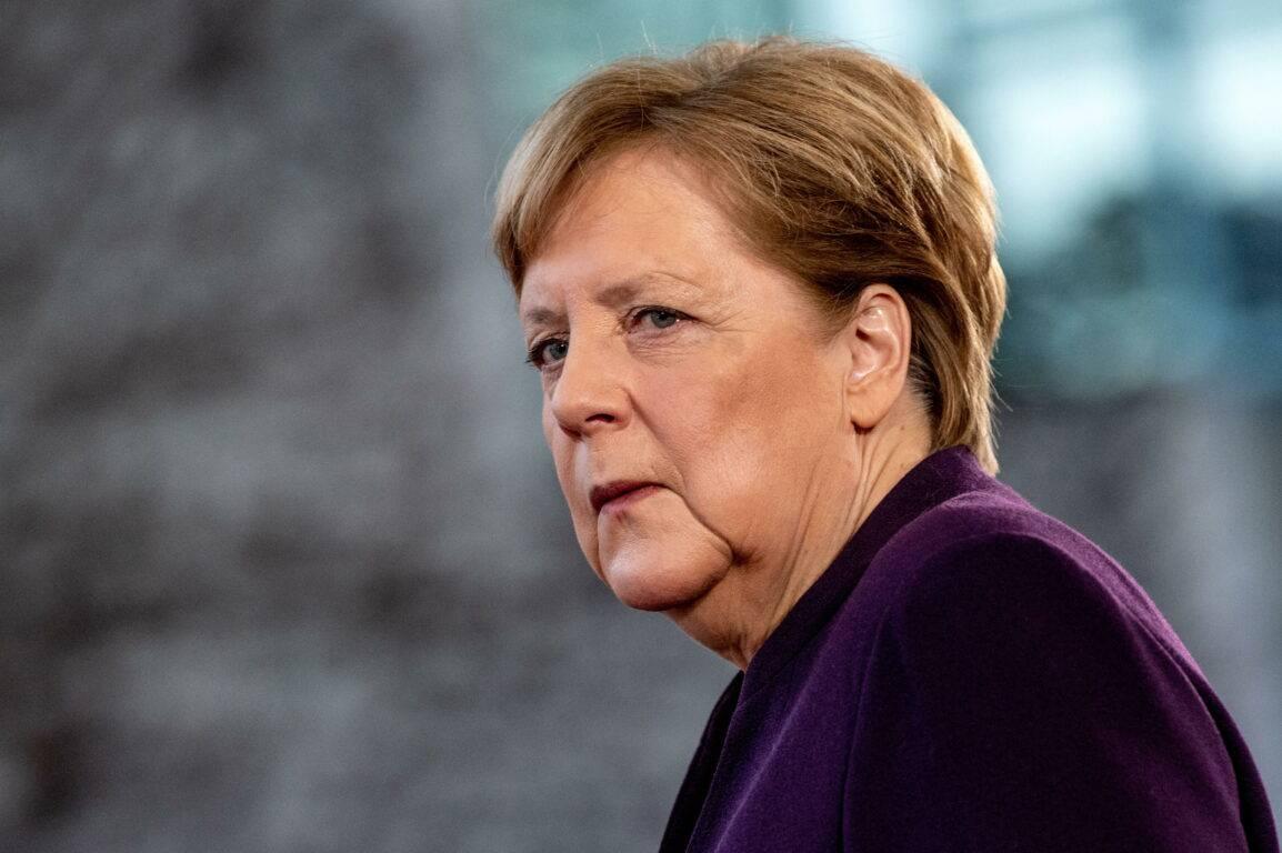 Merkel germania apre - Leggilo