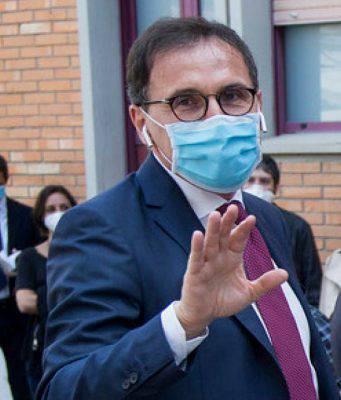 Gli assistenti civici scatenano la guerra in Maggioranza: contrari M5S e IV, Boccia va avanti appoggiato da Conte - Leggilo.org