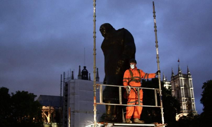 statua Winston Churchill - Leggilo