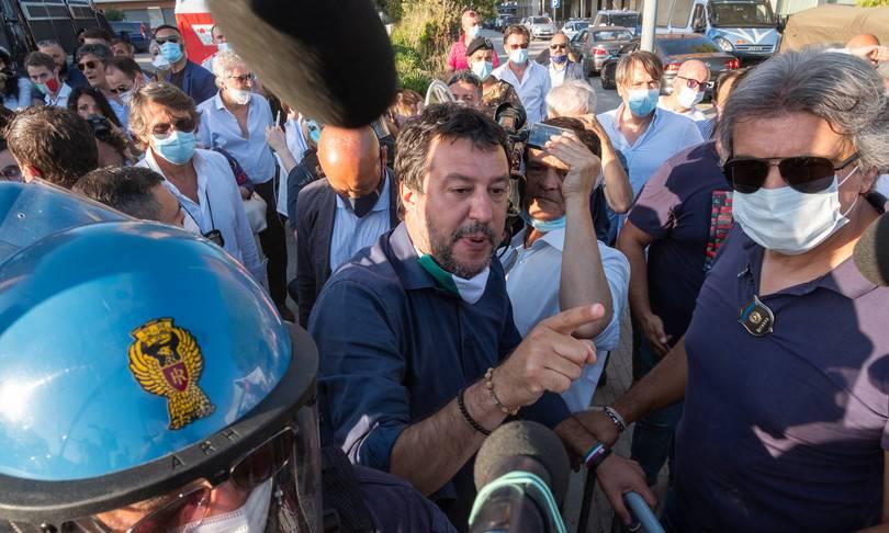 salvini proteste mondragone - Leggilo