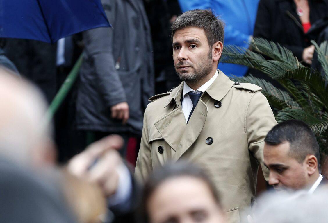 """Il ritorno di Di Battista: """"Temere me è sciocco. Non farò cadere il Governo non sono stupido"""" - Leggilo.org"""