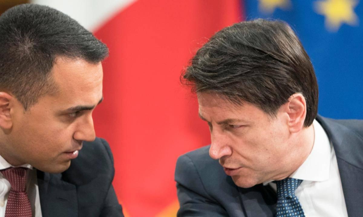 M5S: persi altri due parlamentari, Maggioranza Conte in bilico in Senato - Leggilo.org