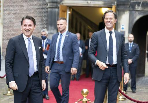 Conte cede all'olandese Rutte: addio a Quota 100 e ridimensi