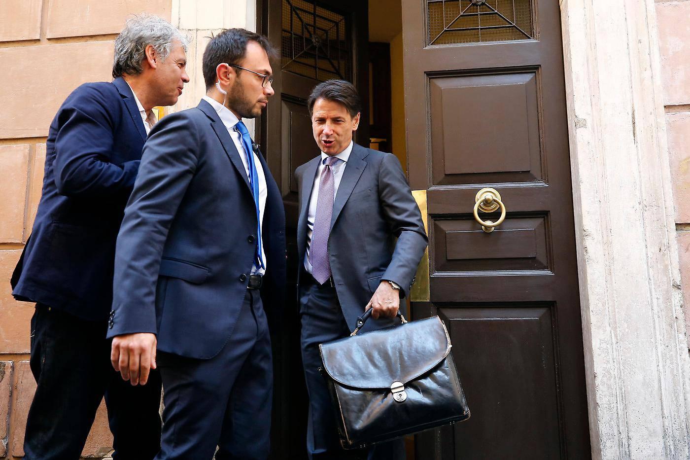 Scontro tra dipendenti e funzionari di Palazzo Chigi: sindacati portano in tribunale Presidenza del Consiglio - Leggilo.org