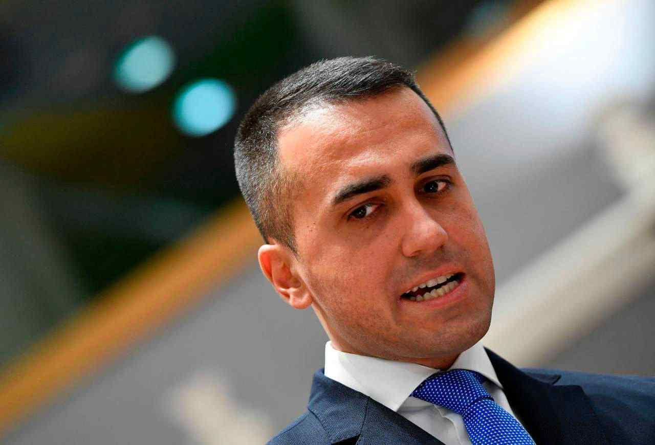 """Di Maio vuole il pugno duro sull'immigrazione: """"Nuovi accordi con Tunisi, serve mettere fuori uso i gommoni"""" - Leggilo.org"""