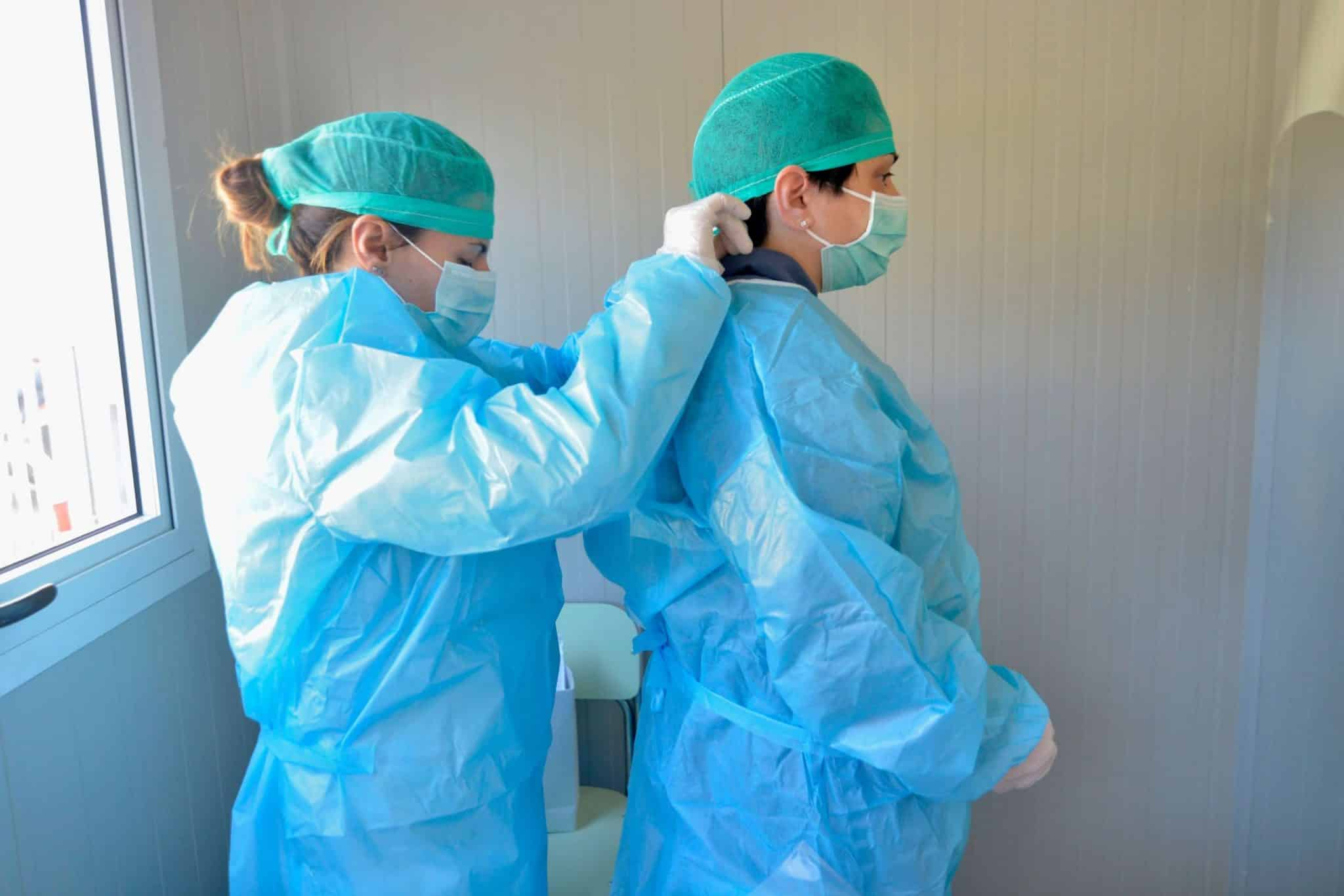 """La beffa per medici e operatori sanitari delle assicurazioni private: """"Covid non coperto come infortunio sul lavoro"""" - Leggilo.org"""