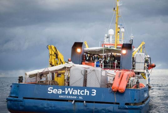 Fermo per la Ong Sea Watch 3: irregolarità della nave metton