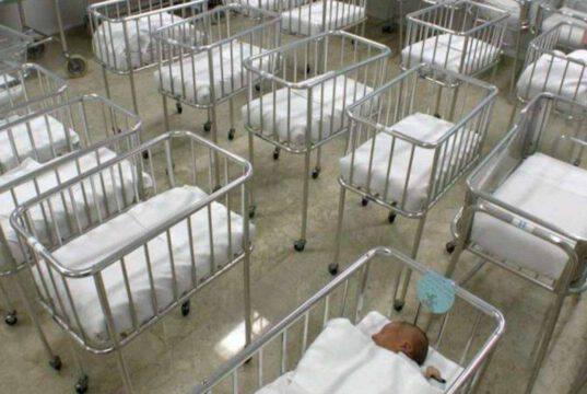 Cervelli in fuga e nascite ai minimi storici: italiani a ris