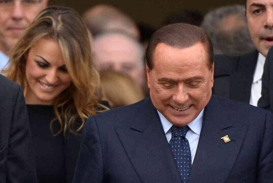Francesca Pascale porta in barca Paola Turci, con i soldi dell'ex Premier