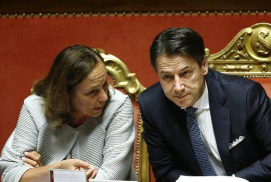 Emergenza Covid, il Governo decide: restrizioni fino a settembre. E silenzio sugli sbarchi