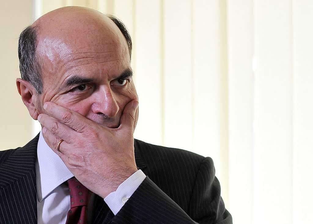 """Il PD ha il merito di aver educato il M5s """"La Sinistra ha il dovere di formali"""" dice Bersani"""
