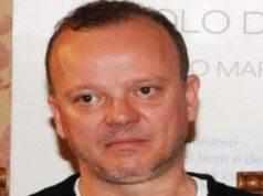 """Gigi D'Alessio amara confessione: """"Sono stato tradito"""""""