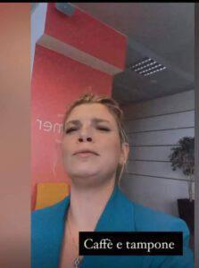 Emma Marrone fa il tampone per il Coronavirus: la sua strana reazione