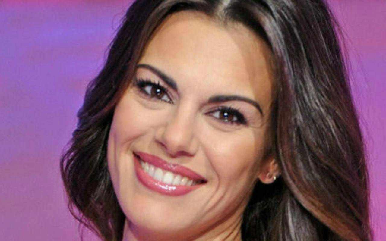 """Bianca Guaccero, la critica dai social: """"Lo fai vedere, dovresti coprirti"""""""