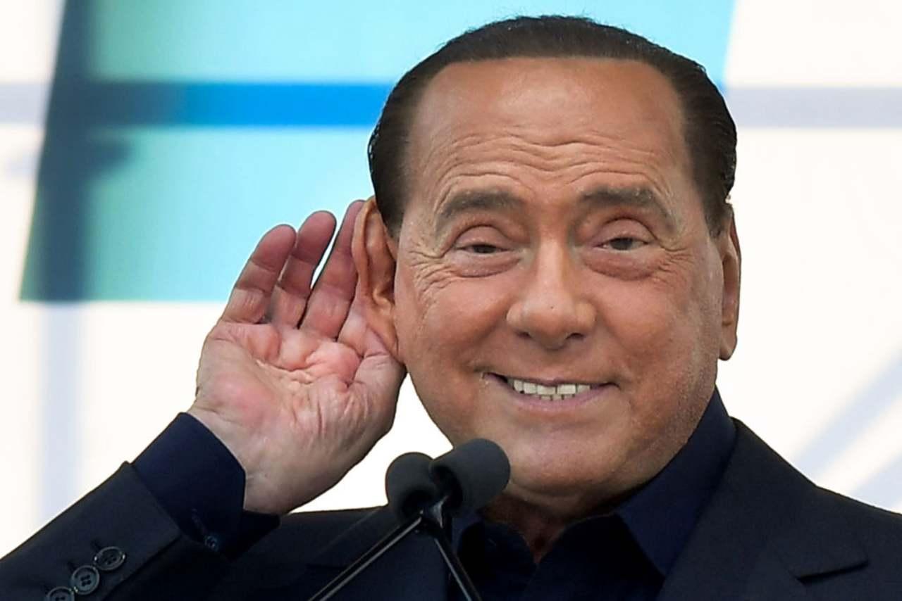 Insulti a Berlusconi, Sallusti asfalta Carlo De Benedetti