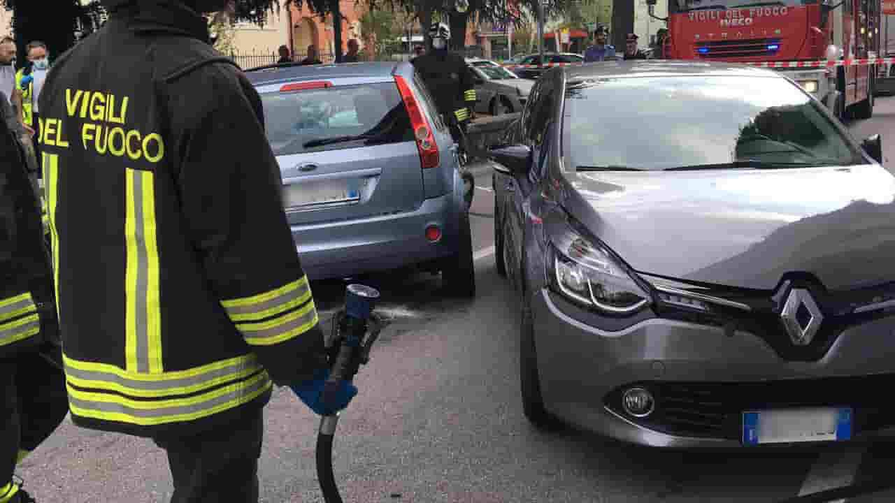 Si schiantano in auto dopo aver rubato un Rolex da 20mila euro