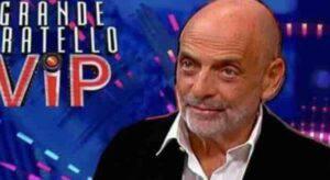 """GFVIP Paolo Brosio e fa infuriare tutti: """"Si muore solo di Covid...non esiste"""""""