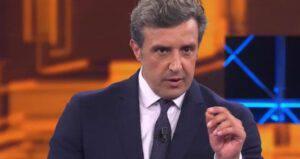 """Flavio Insinna all'Eredità: é successo nuovamente """"Non dico nulla"""""""