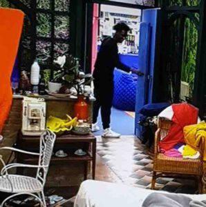 GFVIP: Patrizia De Black nasconde un oggetto proibito nella casa