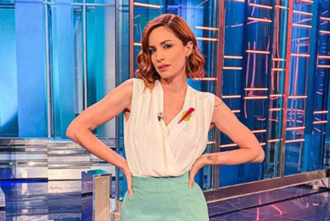 Andrea Delogu, bellezza irresistibile senza l'intimo: follower pazzi di lei