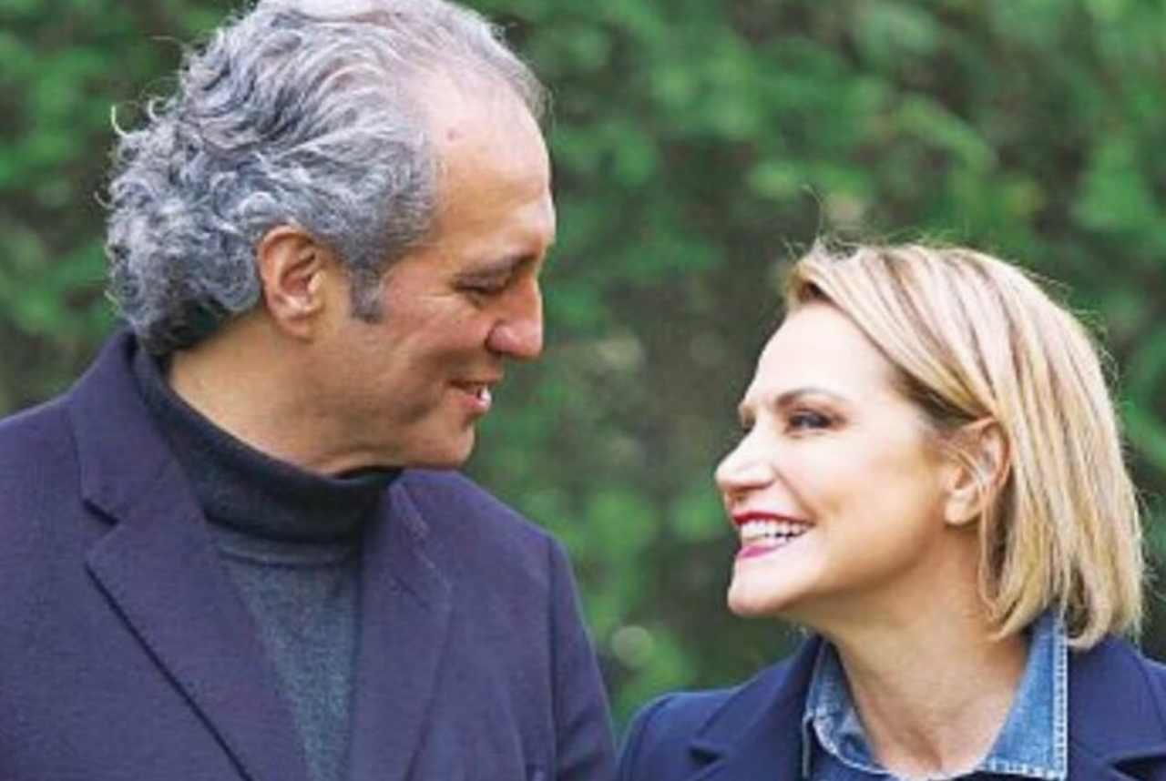 """Simona Ventura felice: """"Orgogliosa di aver partecipato al suo matrimonio"""""""