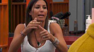"""GF VIP: lite folle tra Elisabetta e Pierpaolo: """"Tira fuori le pa... come Briatore"""""""