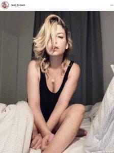 Emma Marrone: la fotografia tra le coperte rivela un dettaglio particolare