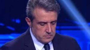 """Flavio Insinna confessa e lascia tutti senza parole: """"Sono inquieto"""""""