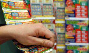 Dipendenti Lottomatica: hanno incassato premi per milioni vedendo i biglietti vincenti