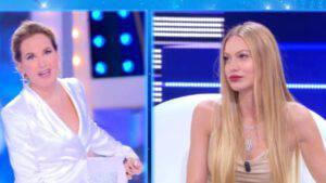 """Barbara D'Urso scoop: l'ospite dichiara """"Sono stata un flirt di Flavio Briatore"""""""