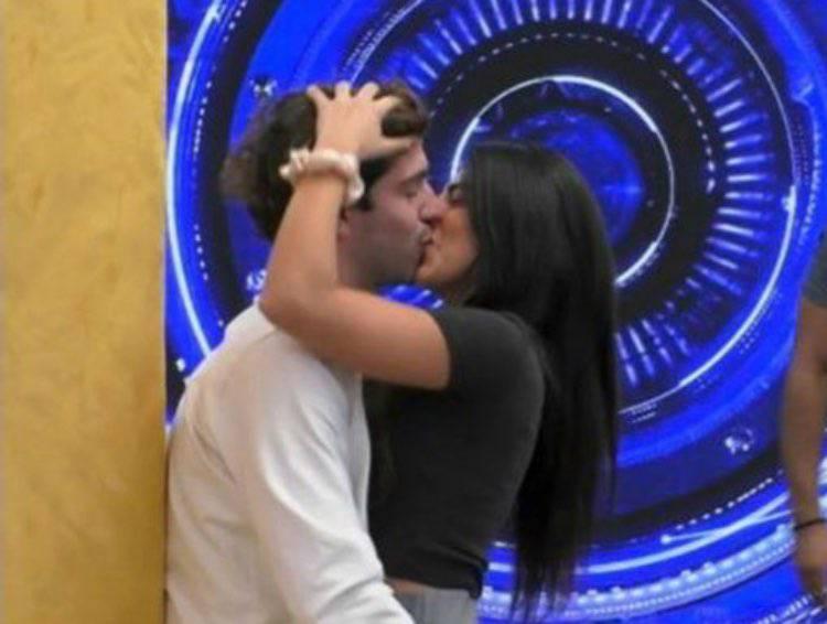 bacio Tommaso Giulia