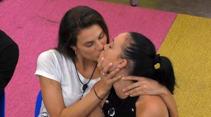Dayane e adua bacio