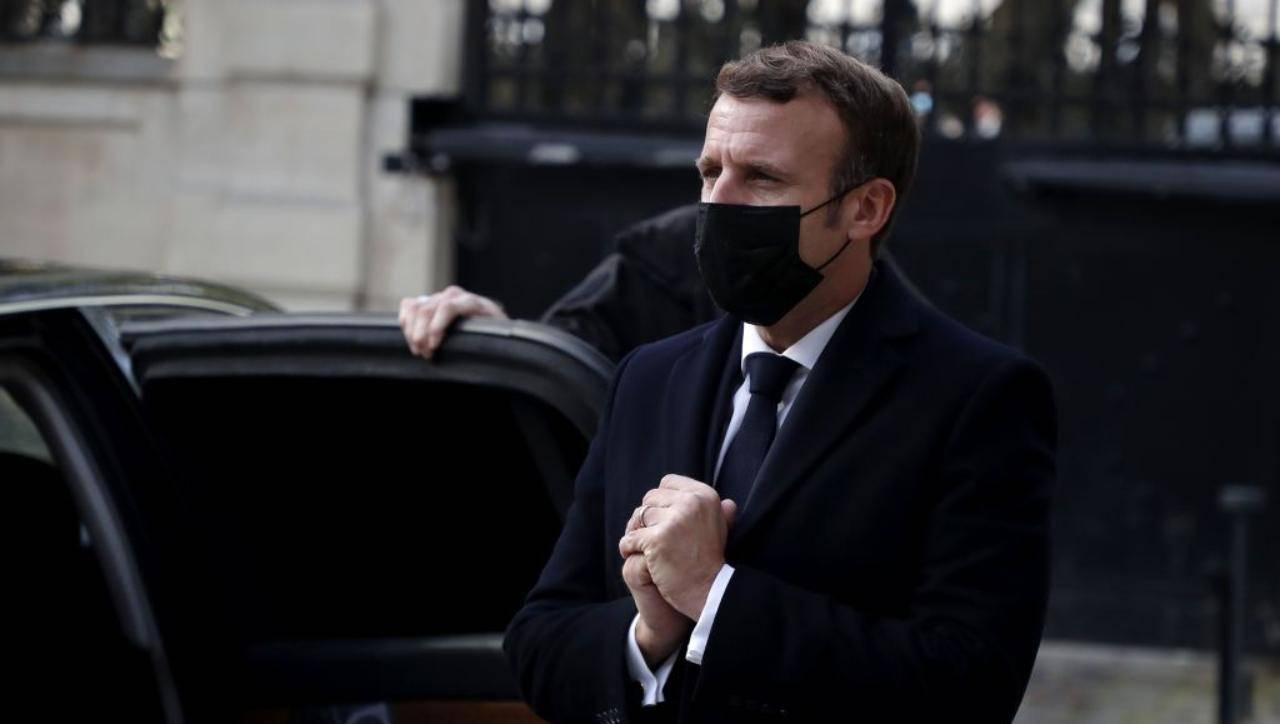 Emmanuel Macron - chisure non salveranno il Natale