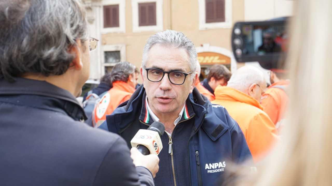 """""""A Natale meglio lasciare a casa i nonni"""", dice Fabrizio Pregliasco"""