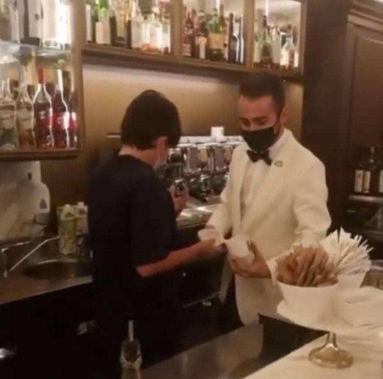 briatore figlio al bar