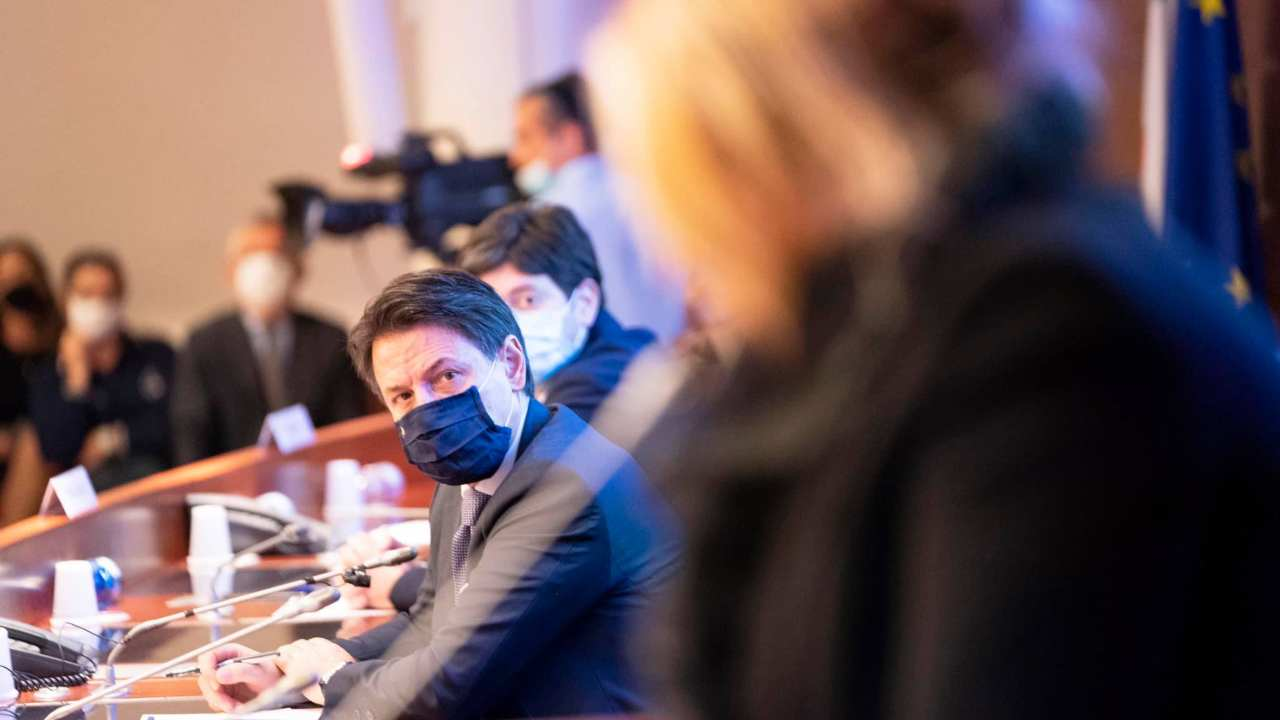 Crisanti avvisa Conte: col nuovo Dpcm rischio di dati truccati
