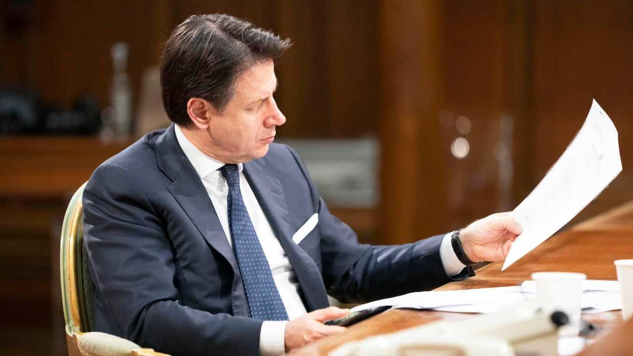 Covid, Conte vara il nuovo Dpcm, coprifuoco e italia divisa in tre