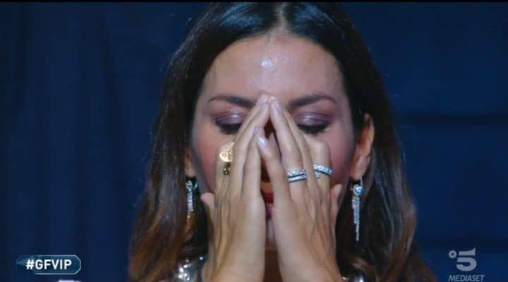 Gregoraci in lacrime: al capolinea il flirt con Petrelli