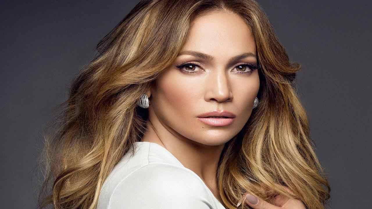 Jennifer Lopez bollente suoi social    video senza veli per lanciare il nuovo singolo VIDEO
