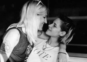 Kristen Stewart: la dolcissima foto social con la nuova fidanzata Dylan